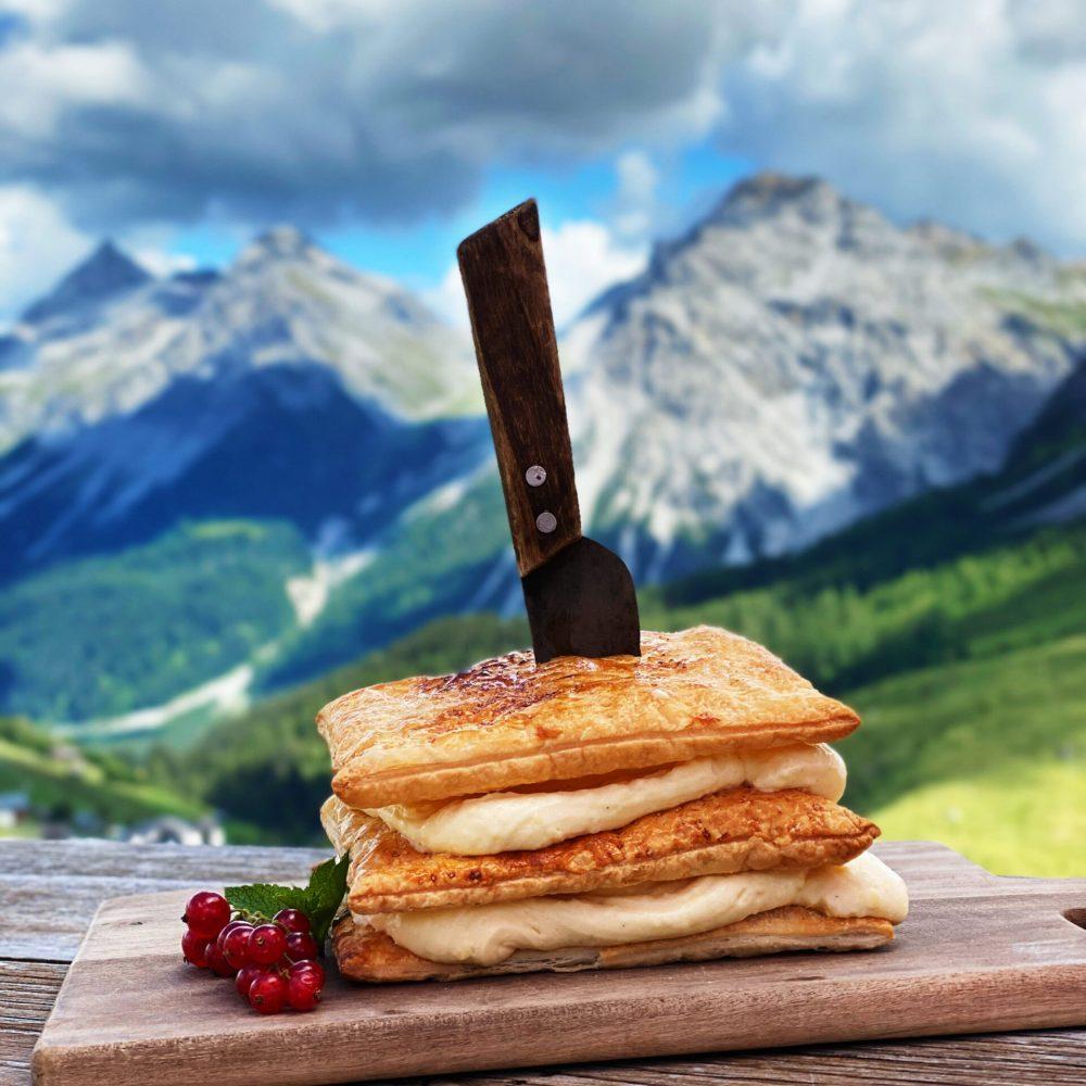 Creme Schnitte im Restaurant Alpenblick Arosa