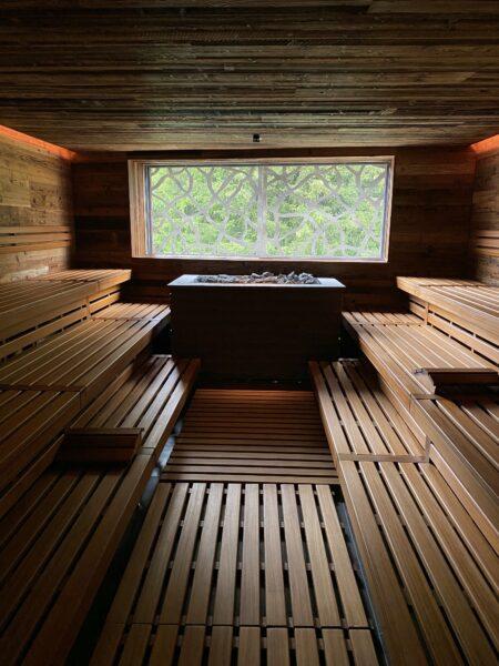 Innenansicht der Sauna im Hotel Valsana Arosa