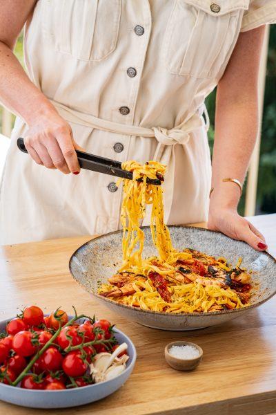 Garnelen Pasta, Teller, Tomaten, Zange