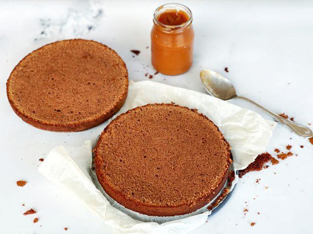 Torte, Schokoladenkuchen, Teighälften, Marmelade, Konfitüre, Glas