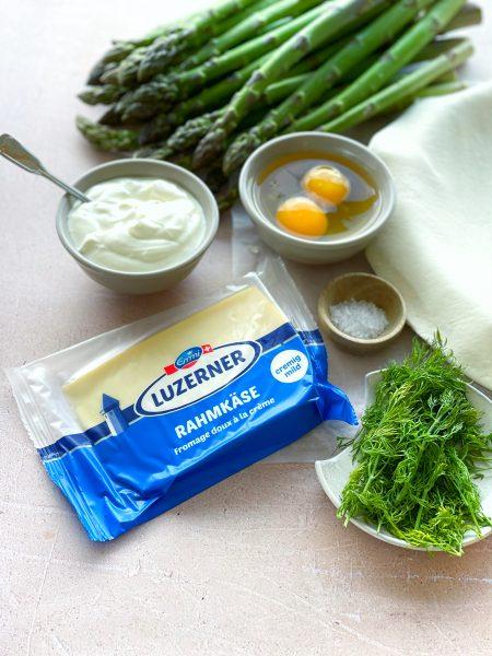 blätterteig, spargel, emmi luzerner käse, dill, aufgeschlagenes ei, joghurt
