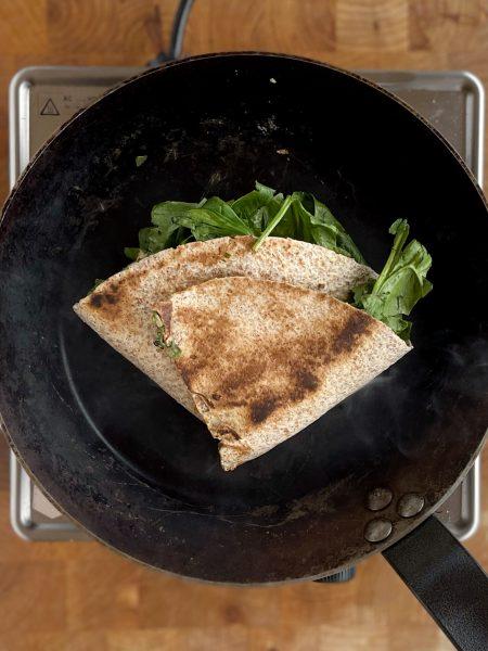 Spinat, Wrap, Mozzarella, Bratpfanne
